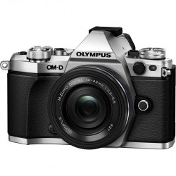 Цифровой фотоаппарат Olympus OM-D E-M5 Mark II Kit (E-M5 Mark II Body silver + EZ-M1442EZ black)